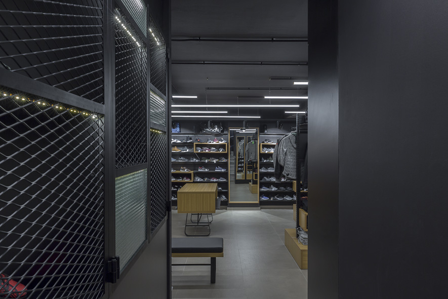LKMK Architects-Sneakers store Bettersport